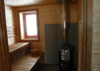 Interno sauna con finestra