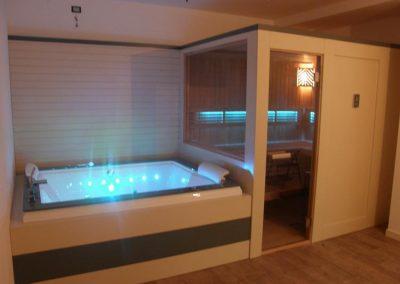 Sauna con vasca idromassaggio