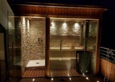 Sauna da su terrazzo con doccia emozionale in Veneto