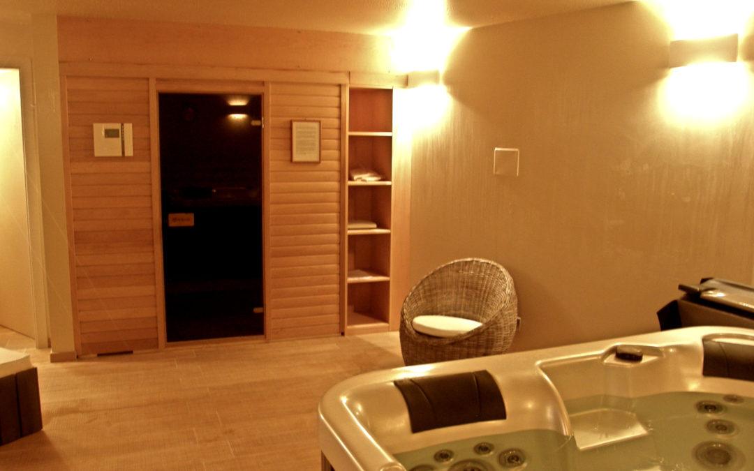 Sauna and hottube