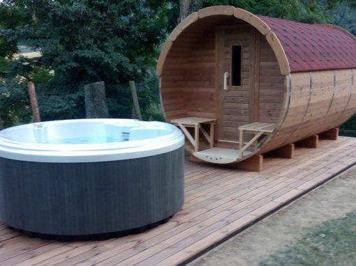 Sauna a botte  con vasca idromassaggio da giardino