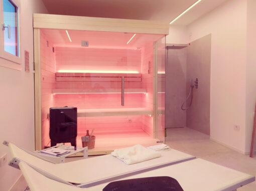 Sauna combinata finlandese e vapore con doccia